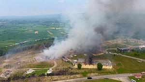 Sakarya'daki fabrikada meydana gelen patlamada kaybolan üç kişi aranıyor