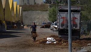İBB'ye ait Kayaşehir Kurbanlık Satış ve Kesim Alanında pislikten geçilmiyor
