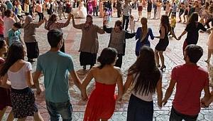 Almanya'da Covid-19 artışının arkasından Türk düğünleri çıktı