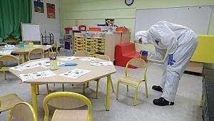 Fransa'da Covid-19 paniği: Okullarda sayı artıyor
