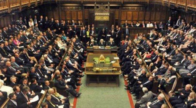 İngiltere'de tartışılan tasarı ilk oylamayı geçti!