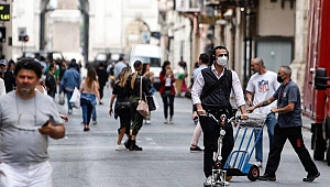 İtalya'da son 24 saatte 1392 yeni koronavirüs vakası