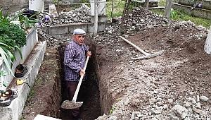 Kendi mezarını kendisi kazdı: Ölürsem benim mezarım hazır