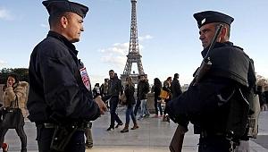 Paris'te korkutan patlama