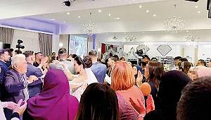 Almanya'da davullu, zurnalı, halaylı düğün: Gelin-damat dahil 70 kişi koronavirüse yakalandı