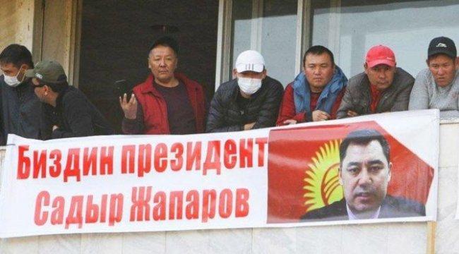 Kırgızistan'da yeni gelişme! Japarov: Yetkiler bana devredildi