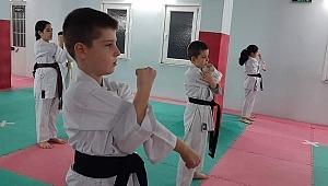 Yılmaz Karate İhtisas Spor kulübü kuşak terfi sınavı yapıldı