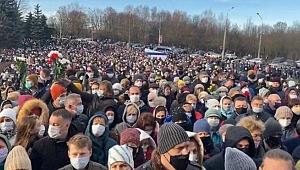 Belarus'ta sokaklar yeniden karıştı