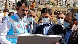 Deprem vergileri: Çevre ve Şehircilik Bakanı Kurum, toplanan deprem vergilerinden 8 kat daha fazlasının deprem için harcandığını söyledi