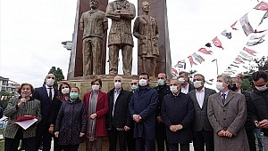 EY CHP li İmamoğlu İstanbullular heykel değil hizmet bekliyor.