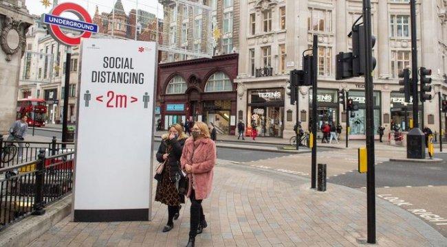 Koronavirüs: İngiltere'de ülke genelindeki kısıtlamaların sona ermesinin ardından 3 aşamalı sisteme geri dönülecek