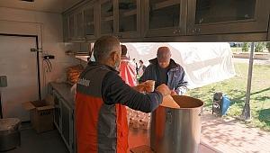 Sadakataşı acil yardım ekibi İzmir'de