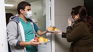 Bursa Büyükşehir Belediye Başkanı AKTAŞ; Sağlıkçılara vitamin takviyesi