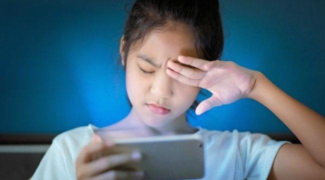 Pandemide ekran başında kalan çocuklarda migren tehlikesi
