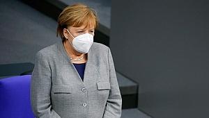 Son dakika: Merkel duyurdu... Almanya'da kısıtlamalar uzatıldı!