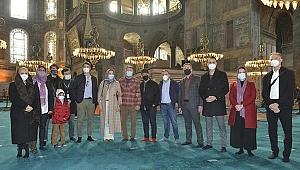 İngiliz senarist ve yönetmen Guy Ritchie, Ayasofya ve Topkapı Sarayı'nı gezdi