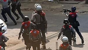 Myanmar'daki darbe protestolarında bir kişi daha öldü