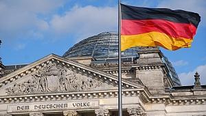 Alman devi, ilk çeyrekte 1 milyar euro üzerinde zarar açıkladı