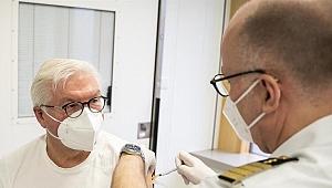 Almanya Cumhurbaşkanı Steinmeier Kovid-19 aşısı oldu