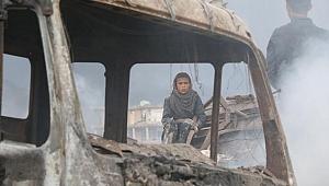 Afganistan'da cuma namazı sırasında patlama
