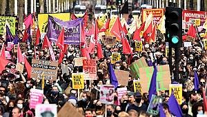 İngiltere sokakları darmaduman! Binlerce kişi sokağa döküldü