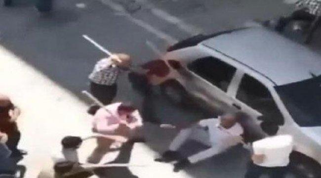 Akrabalar birbirine girdi! Sopalarla öldüresiye dövdüler