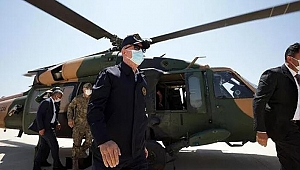 Bakan Akar'ı taşıyan uçak acil iniş yaptı