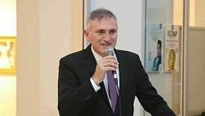 AK Parti Küçükçekmece ilçe Başkanı Recep Şencan Çalışıyor