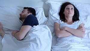 Çiftler beraber mi yoksa ayrı mı uyumalı?'Cinsel hayatı geliştirebilir...'
