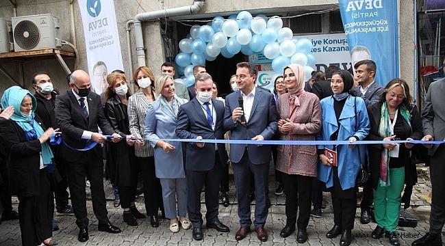 DEVA Partisi Genel Başkanı Ali Babacan,İstanbul'da partisinin Küçükçekmece ilçe binasının açılışında konuştu.