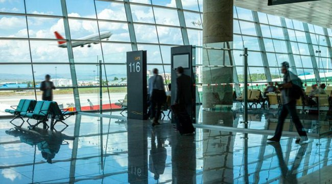 Polonya, COVID-19 nedeniyle Türk vatandaşlarına yönelik seyahat kısıtlamasını kaldırdı
