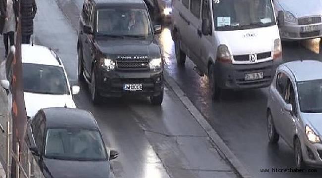 Kaldırımı Yola Çevirdiler İŞTE Kaldırım da bile trafik var