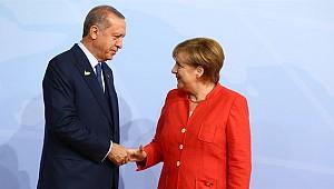 Erdoğan'dan Merkel'e Tebrik Telefonu