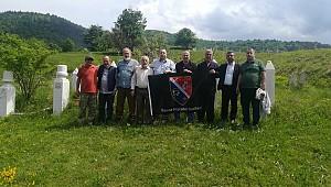 Bosna Gazileri Bosna'da Şehidleri Ziyaret Ediyorlar
