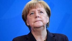 Merkel'den Küstah Açıklma
