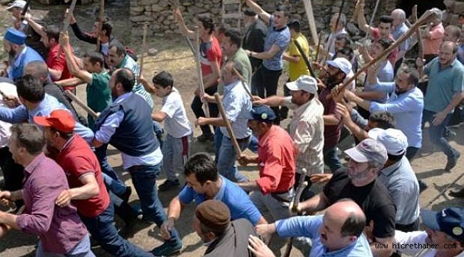 Erzurum'da Söylentiyi duyan sopalarla köy meydanına koştu