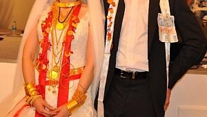 Şırnaklı muhtarlardan düğün takıları için ilginç düzenleme