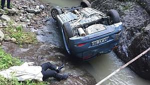Ünlü türkücünün feci ölümü! Otomobili dereye uçtu