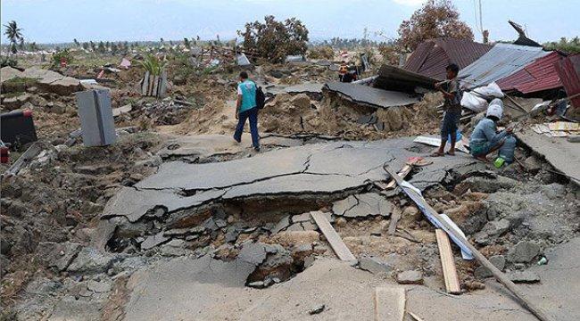 Endonezya'daki depremde ölü sayısı 2 bin 65'e yükseldi