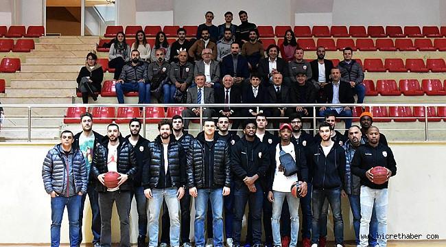Arel Üniversitesi Büyükçekmece Basketbol Takımından Üniversiteye Ziyaret