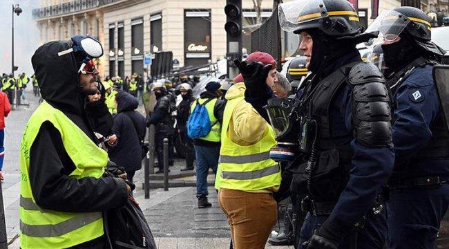 Fransa'da polis sendikasından sarı yeleklilere destek