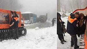 İstanbul'un yanı başı... Karda mahsur kaldılar