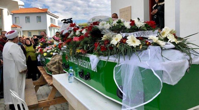 KKTC'de sel felaketinde ölen nişanlı gençler son yolculuklarına uğurlandı
