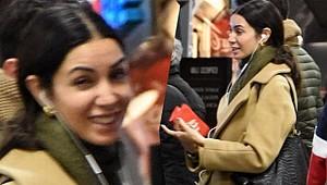 Metroda görüntülenen Ahu Yağtu şaşkınlık yaşadı!