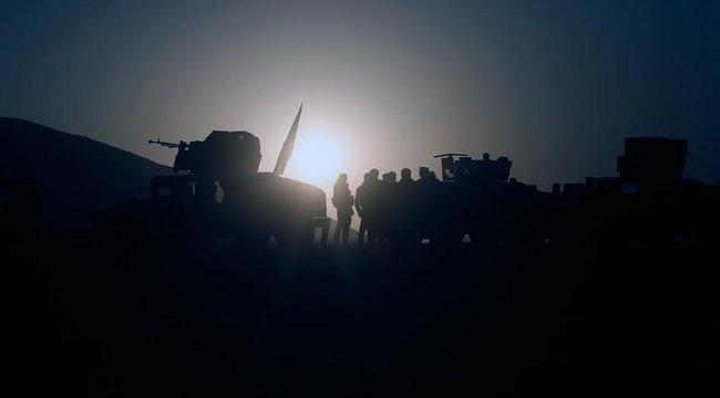 ABD teslim olan yüzlerce DEAŞ'lıyı kendi üssüne götürdü