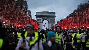 Fransız hükümetinden protestolara katılanlara suçlama
