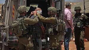 İşgal güçleri, 14 Filistin'liyi gözaltına aldı!