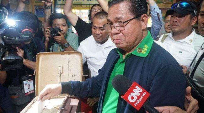 Morolar, Bangsamoro Organik Yasası referandumu için oy kullanıyor