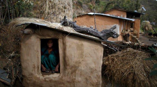 Nepal'deki korkunç gelenek anne ve çocuklarını öldürdü