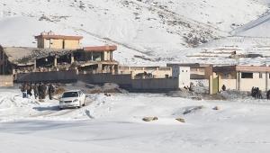 Taliban askeri üsse saldırdı! 100'ün üzerinde ölü var